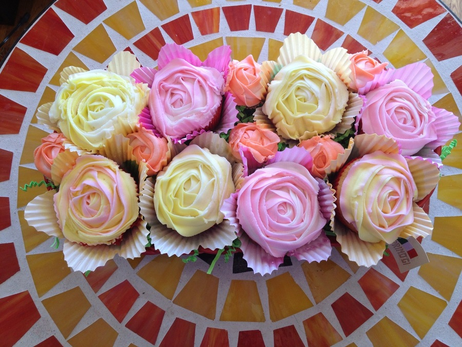 Rose Cupcake Basket on Cake Central