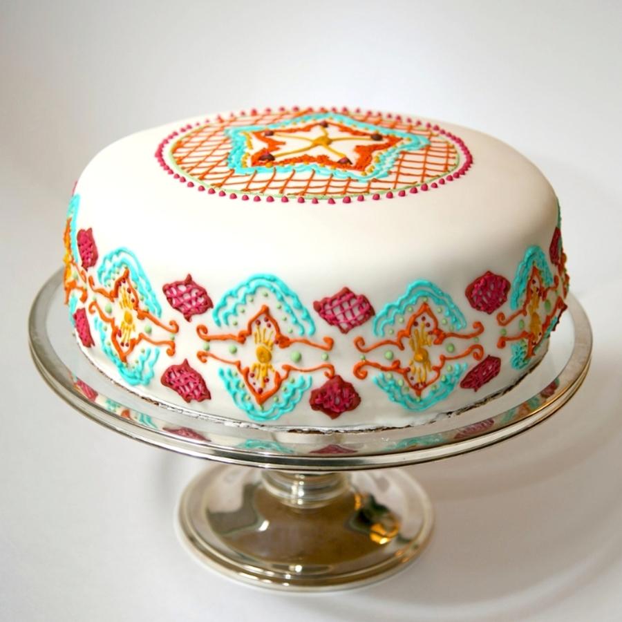 Mehndi Inspired Cake : Henna inspired cake mehndi tattoo