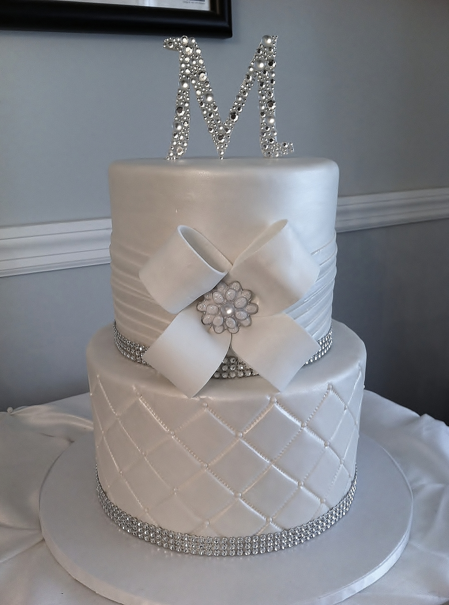 bling for wedding cakes all white wedding cake with bling and custom monogram 1900