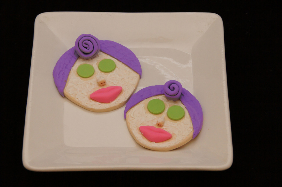Spa Facial Mask Cookies  on Cake Central