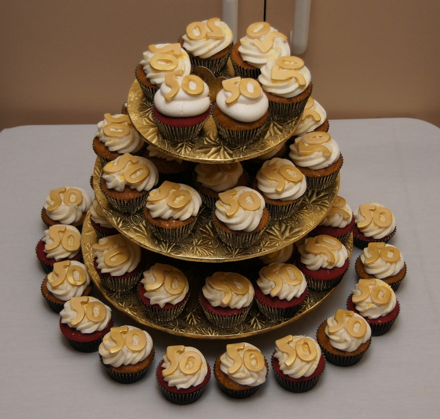 Golden 50Th Birthday Cupcakes