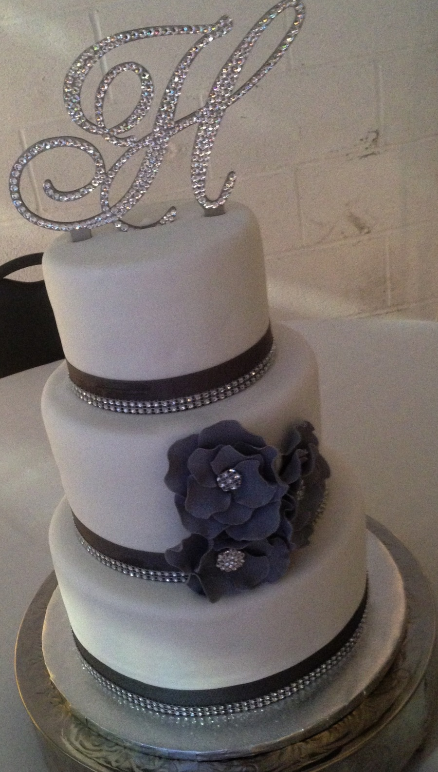 Grey And White Wedding Cake Cakecentral Com