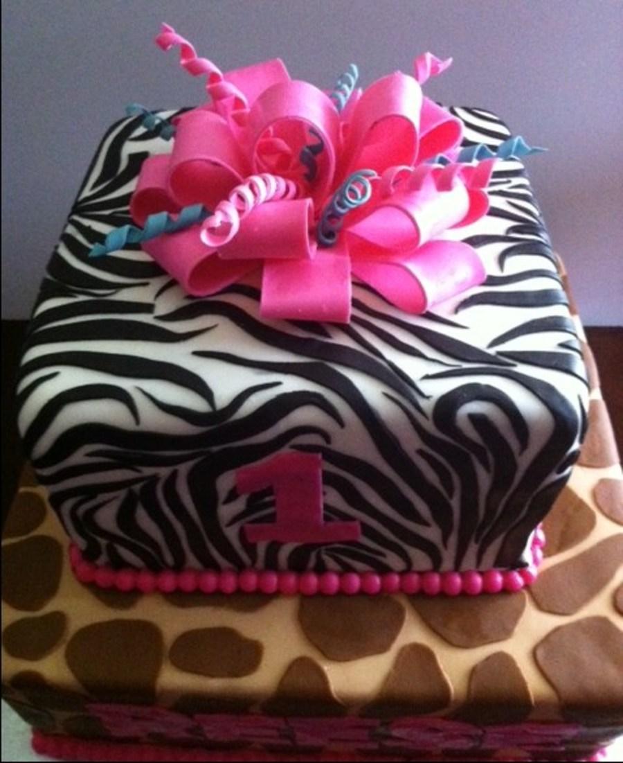 Zebra Striped Cake Decorating