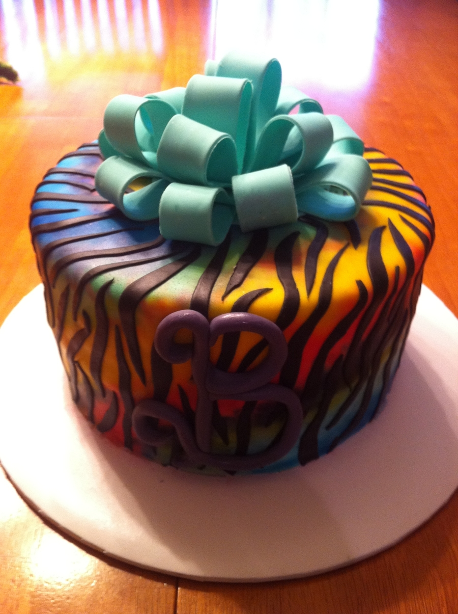 Pictures Of Zebra Print Birthday Cakes