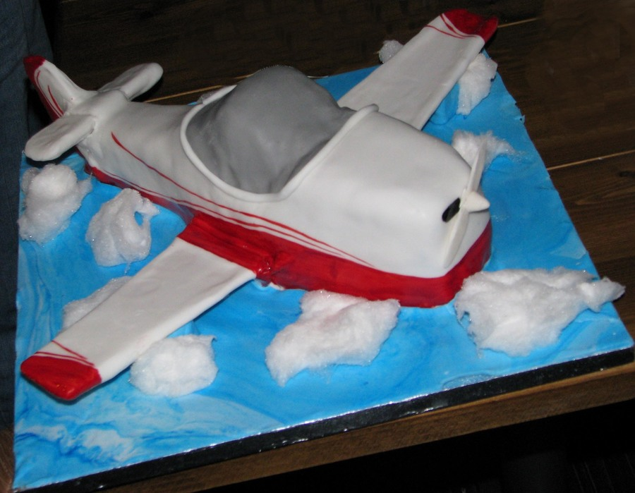Airplane on Cake Central