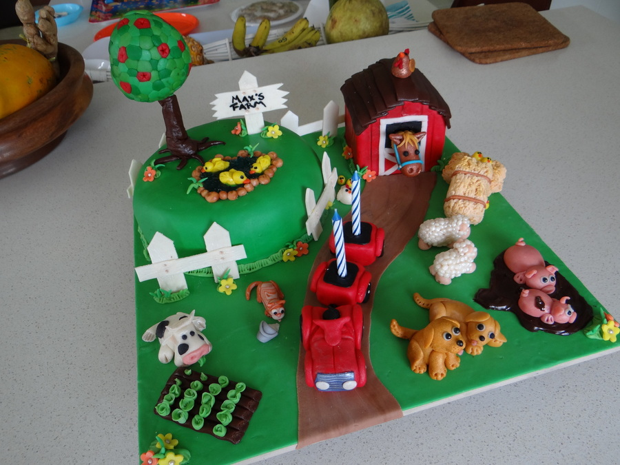 Max's Farmyard!  on Cake Central