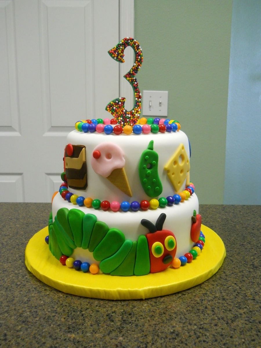hungry caterpillar cake the hungry caterpillar cakecentral 5037