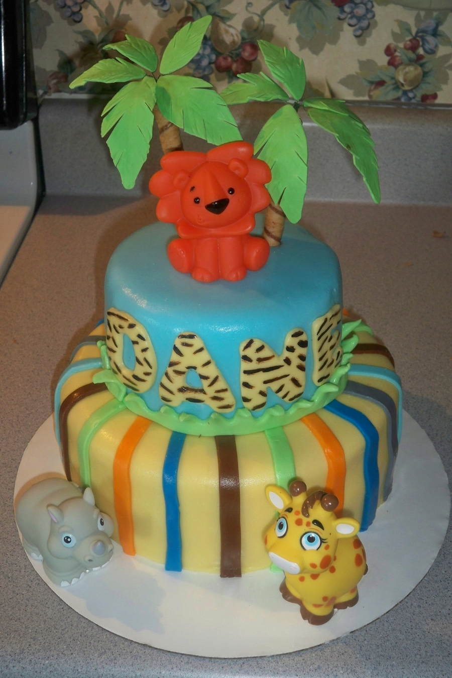 Baby Safari on Cake Central