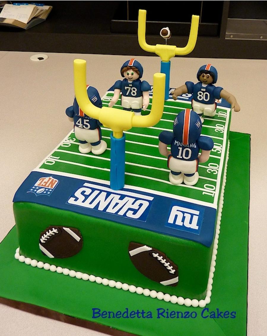 Ny Giants Football Field Cake Go Big Blue Cakecentral Com