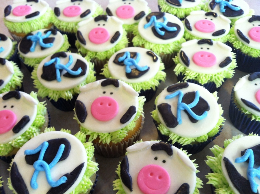 Moo! Cow Cupcakes on Cake Central