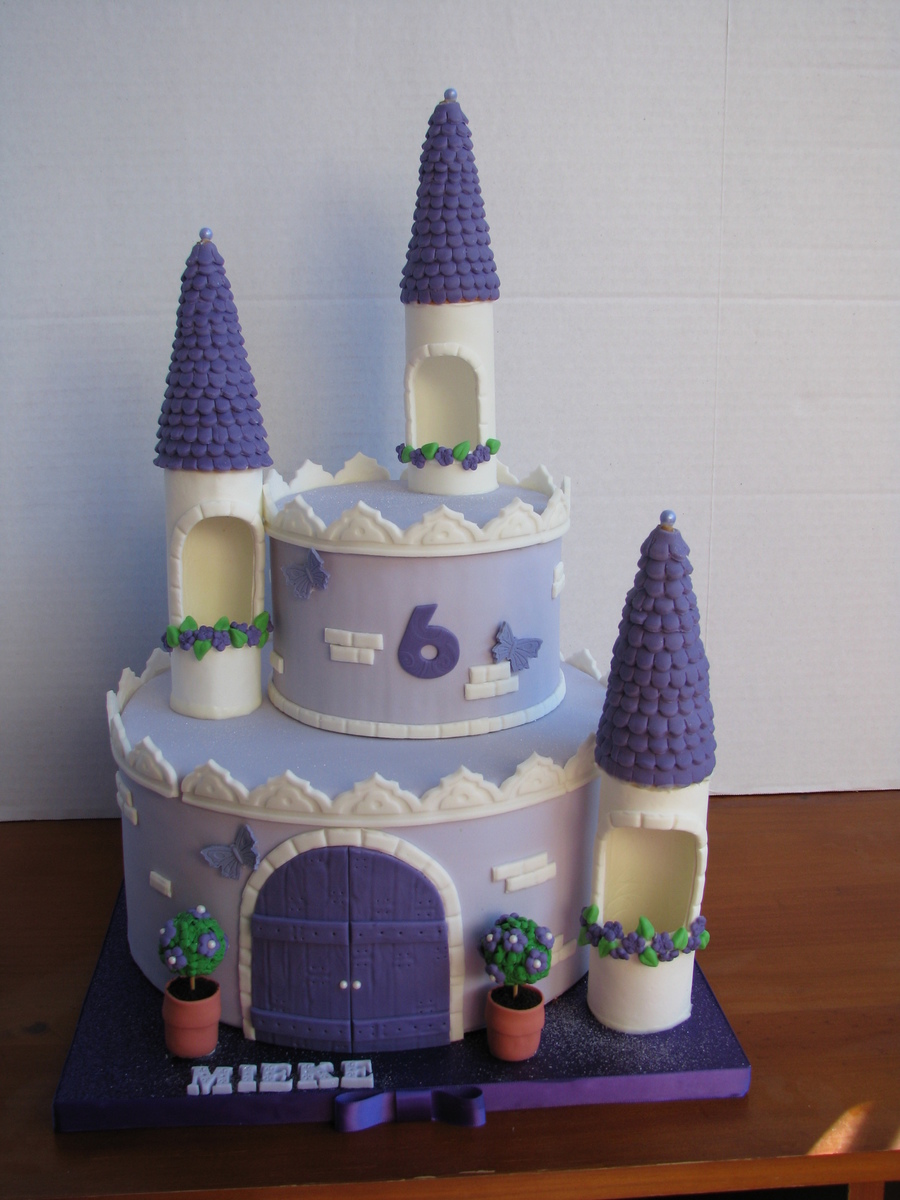 Girls Princess Castle Birthday Cake CakeCentralcom