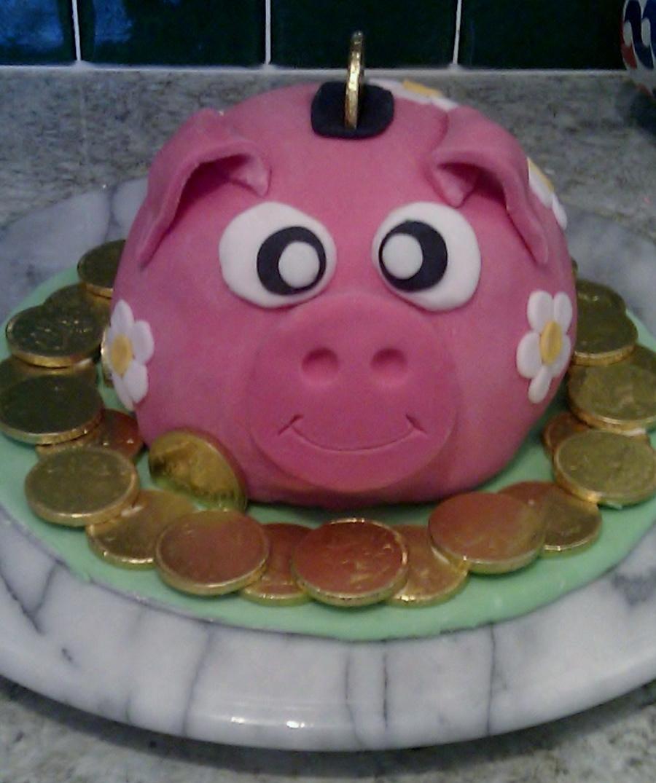 Awe Inspiring Piggy Bank Birthday Cake Cakecentral Com Funny Birthday Cards Online Necthendildamsfinfo