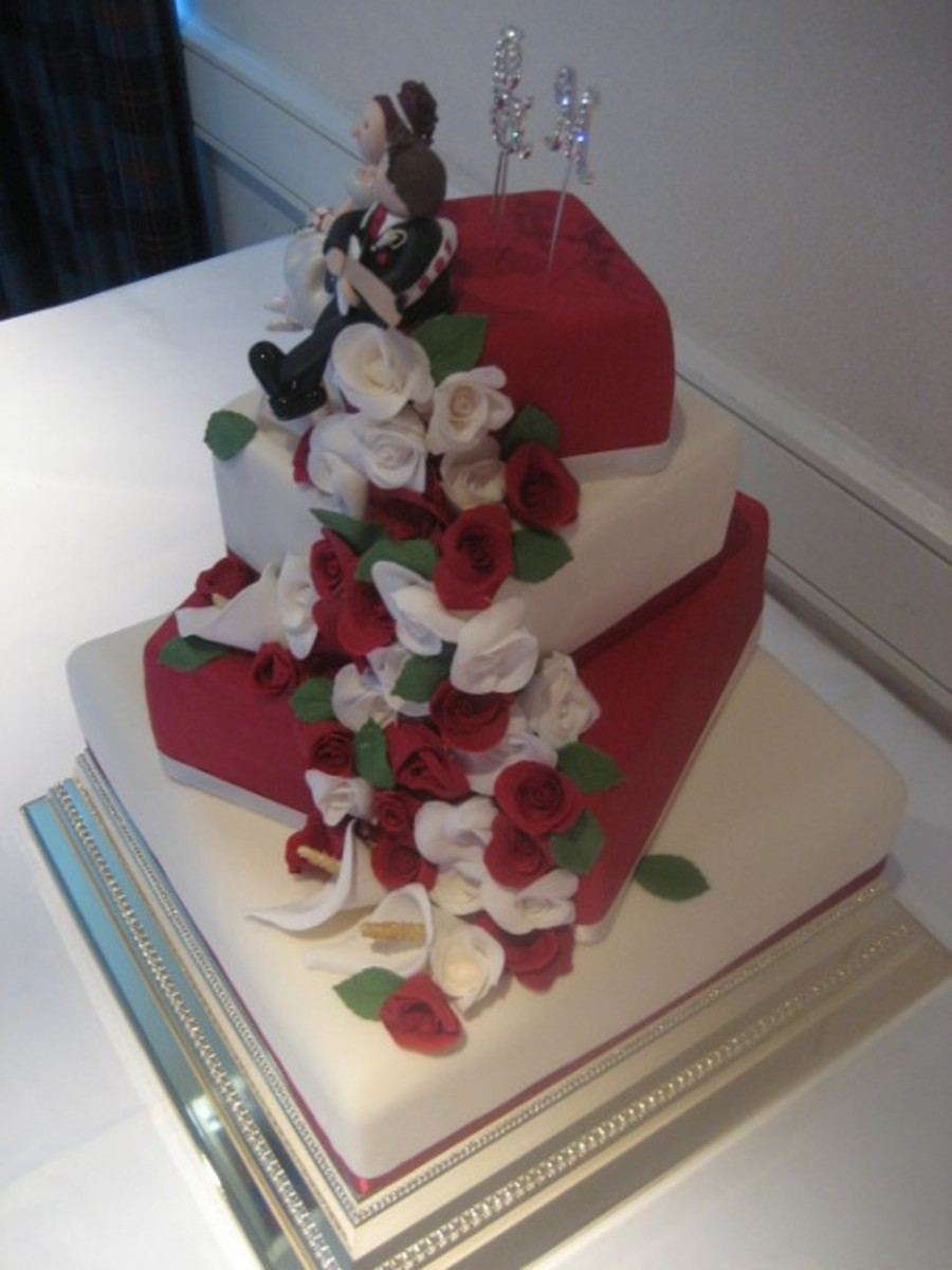 Christmas 4 Tiered Wedding Cake on Cake Central