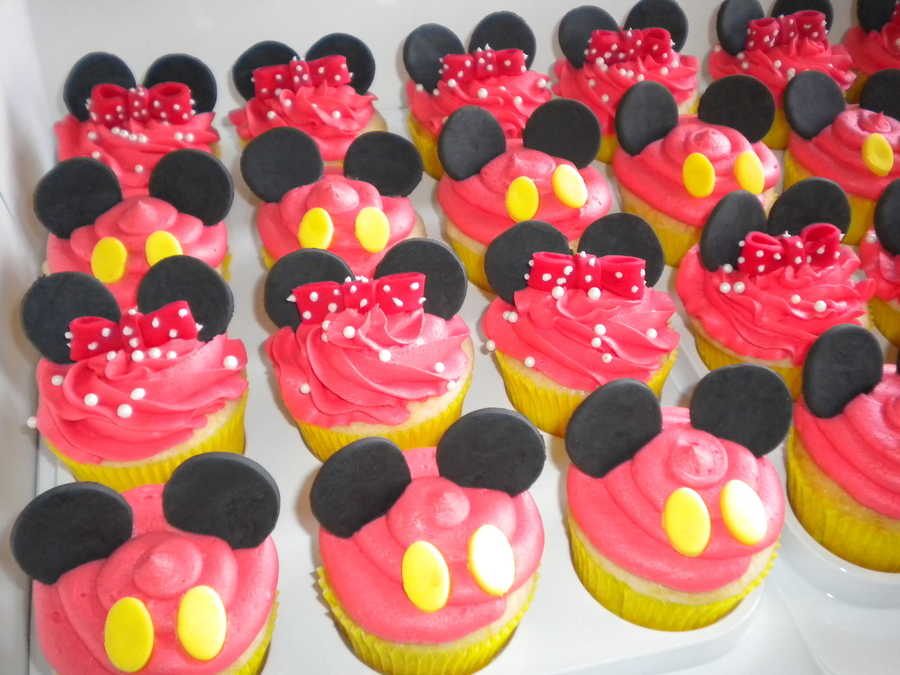 Mickey And Minnie on Cake Central
