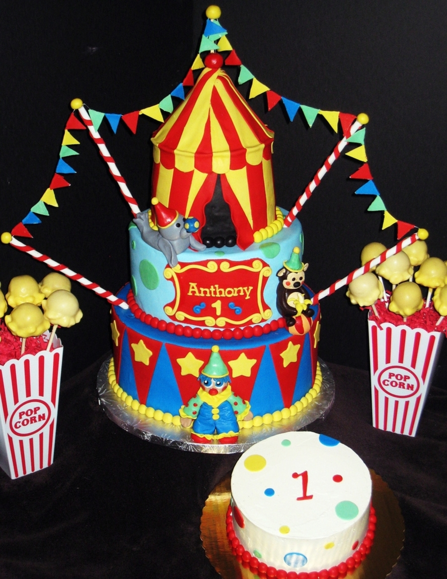 Circus Themed Birthday Cake Smash Cake Popcorn Cake Pops