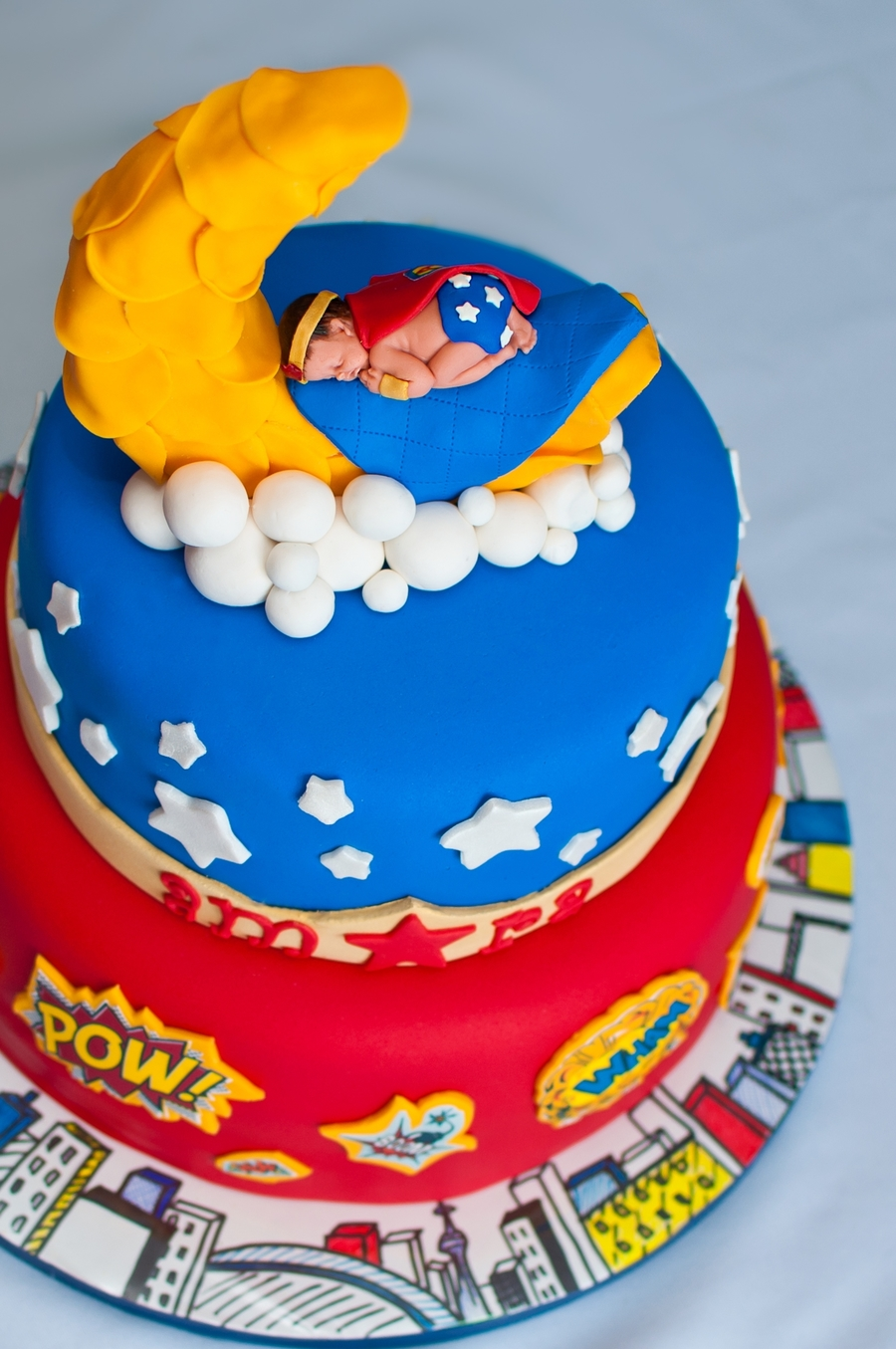 superhero babyshower cake friend was having a superhero themed