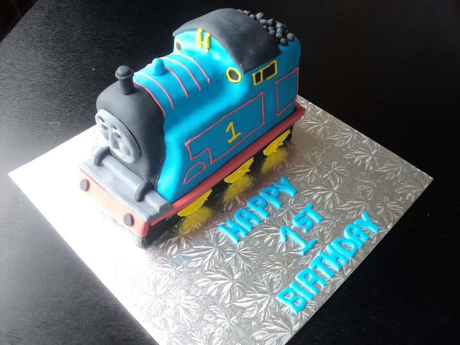 3D Thomas on Cake Central