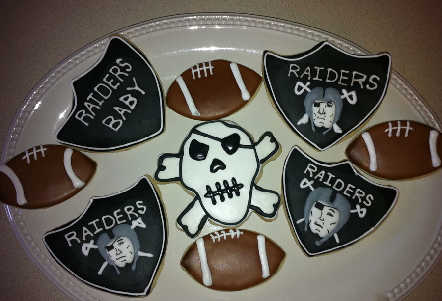 Oakland Raiders Cookies on Cake Central