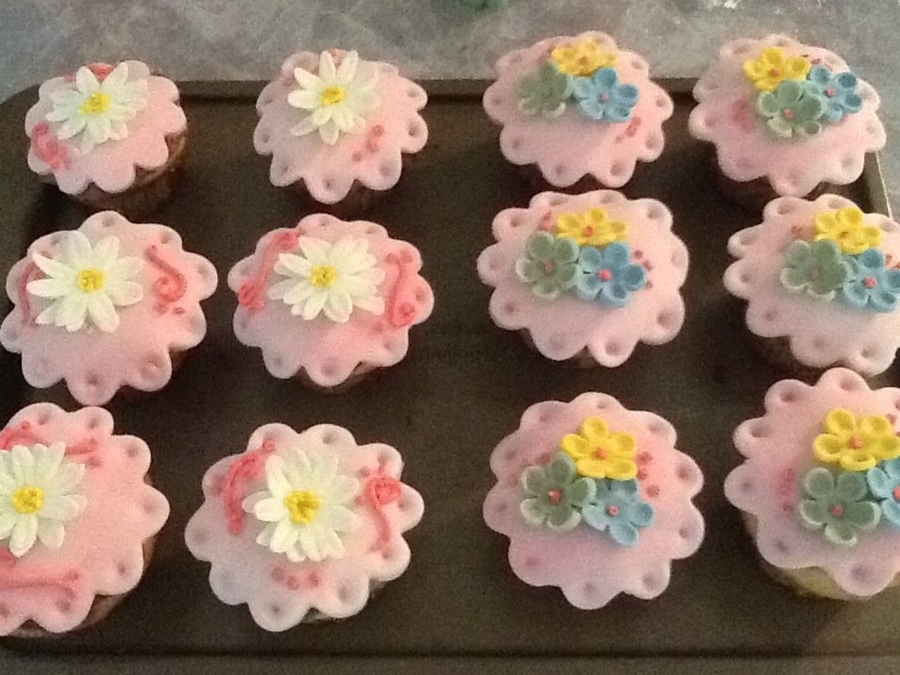 Daisy And Blossom Cupcakes on Cake Central