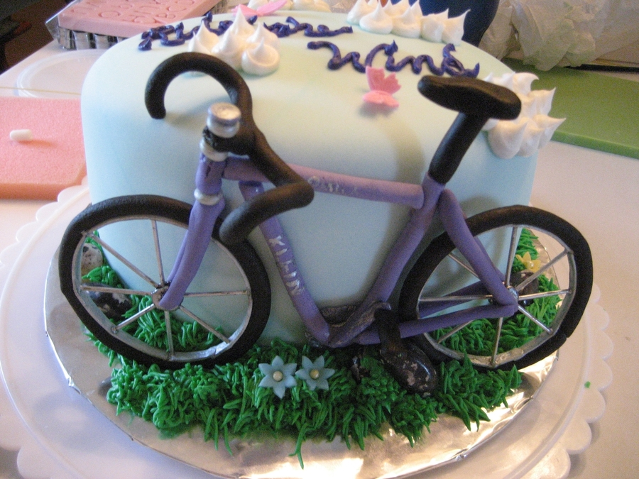 Cake Design Bike : Bicycle Birthday Cake - CakeCentral.com