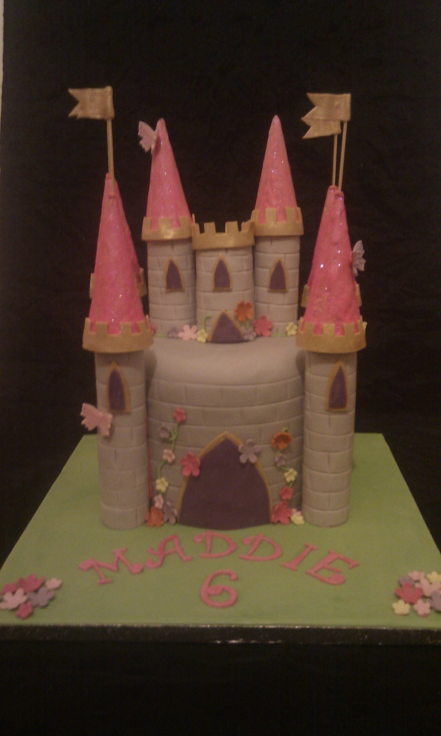 Small Castle Cake  on Cake Central