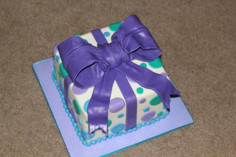 Present And Bow on Cake Central