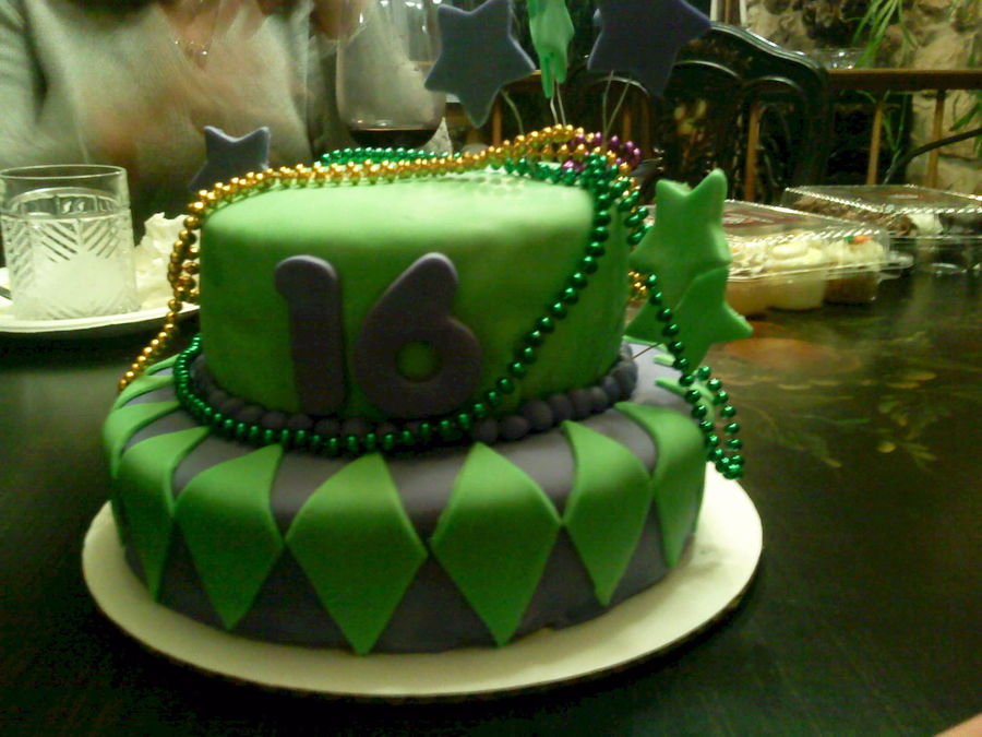 Sweet Sixteen Mardi Gras on Cake Central