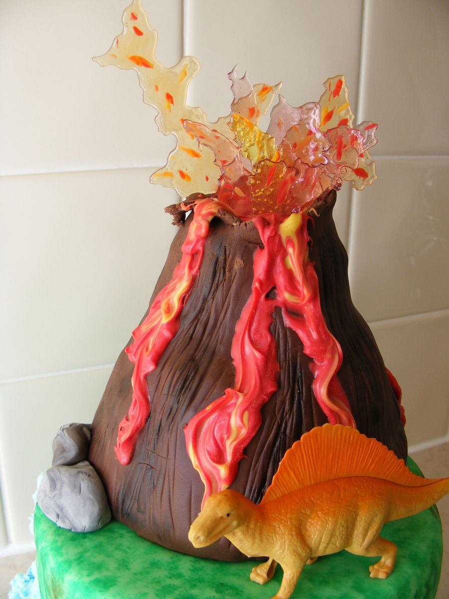 Arden S Dinosaur Island Cake Cakecentral Com