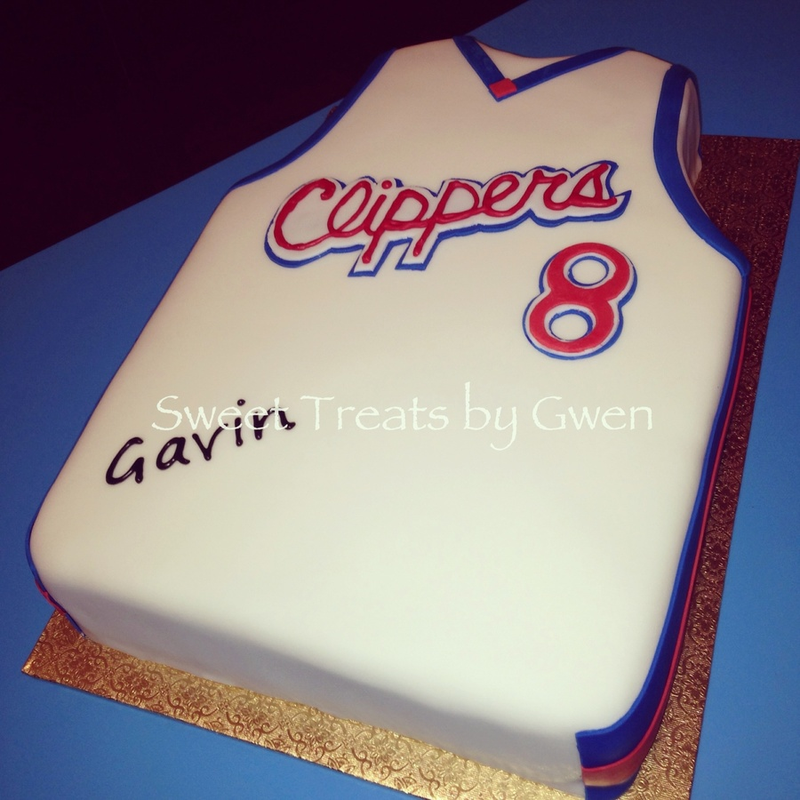 Los Angeles Clippers Cake Half Sheet Cake Carved Fondant Covered Hand Cut Fondant Logo And Number Cakecentral Com