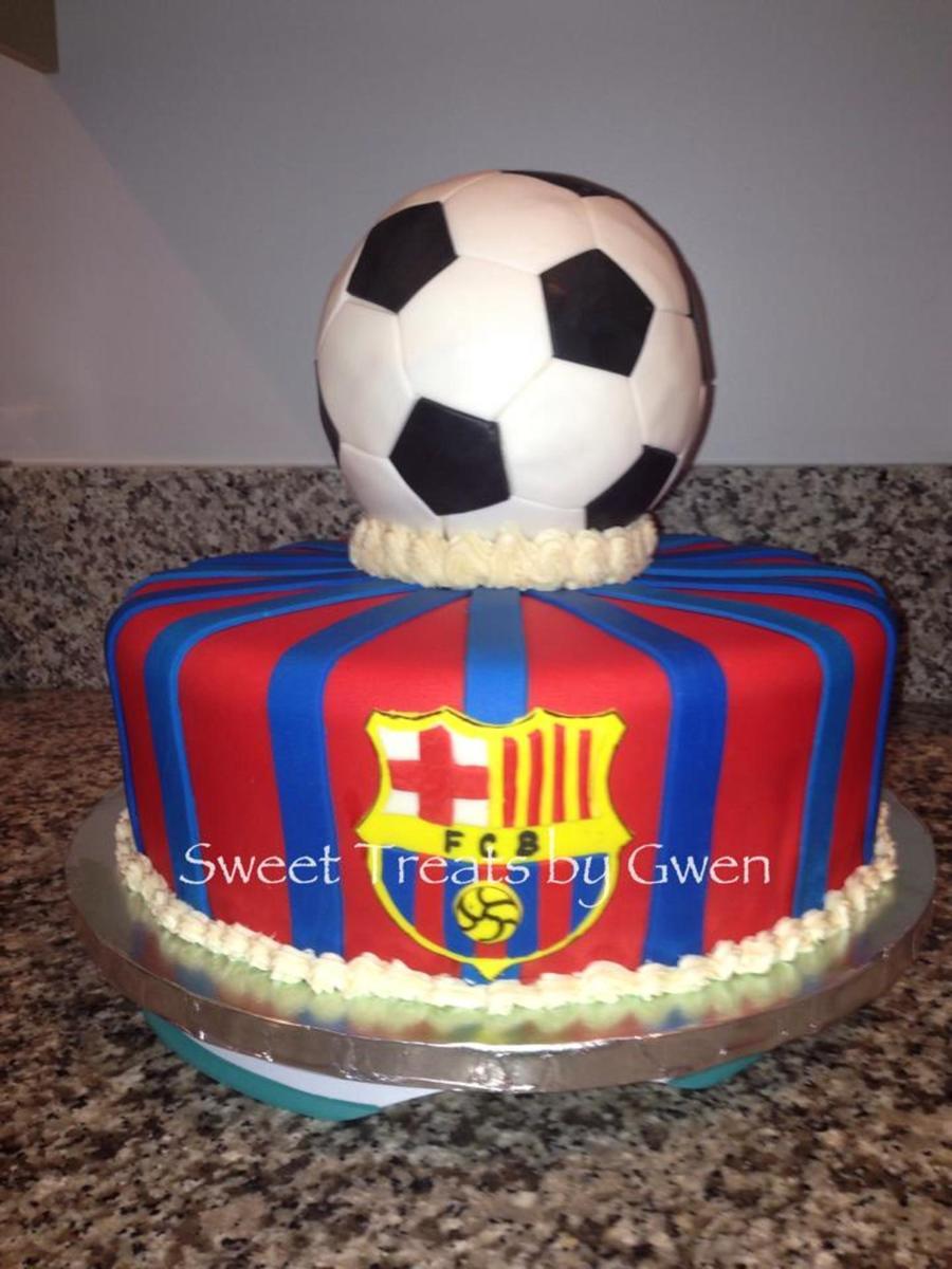Go Barcelona 12 Round Is Vanilla Cake With Cookies Ncream