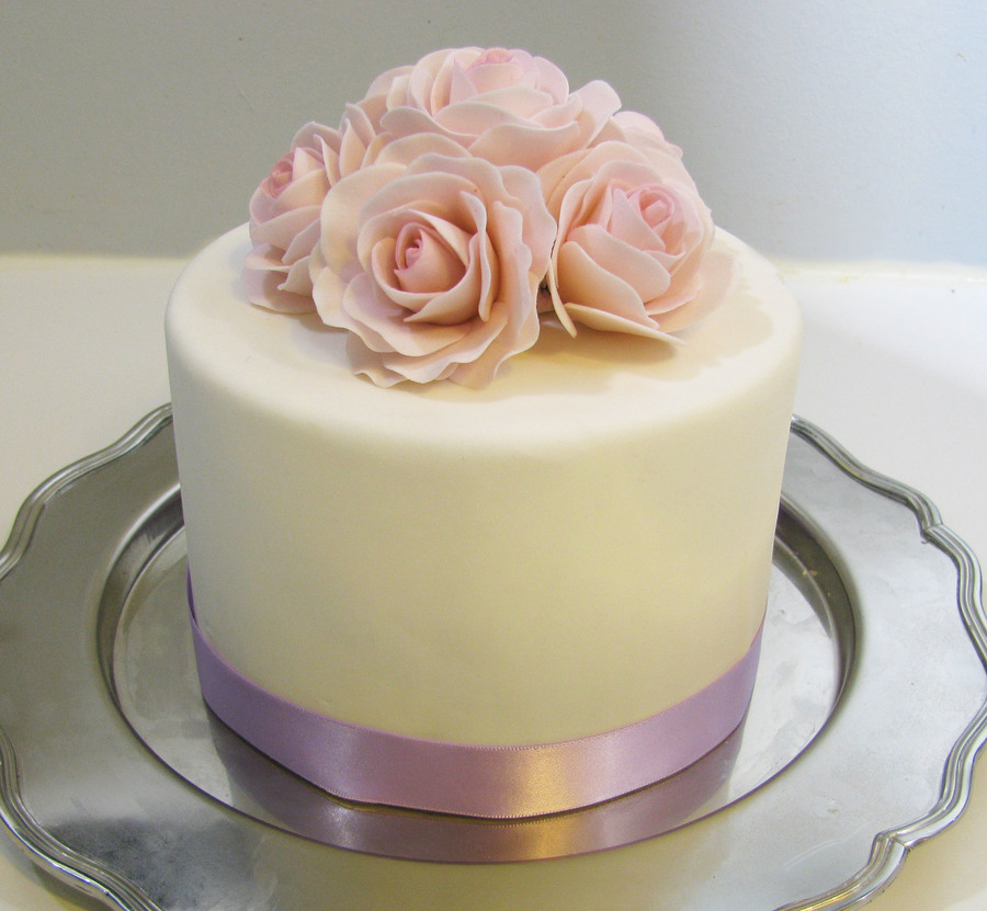 Pale Pink Sugar Roses on Cake Central