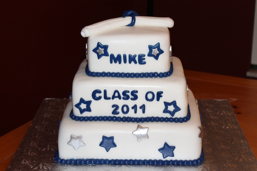 Navy,silver,and White Graduation on Cake Central