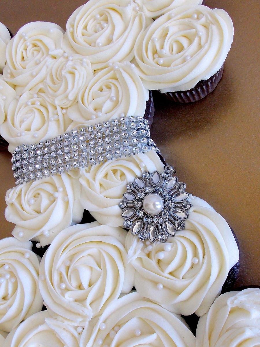 bridal shower cupcake cake cakecentralcom