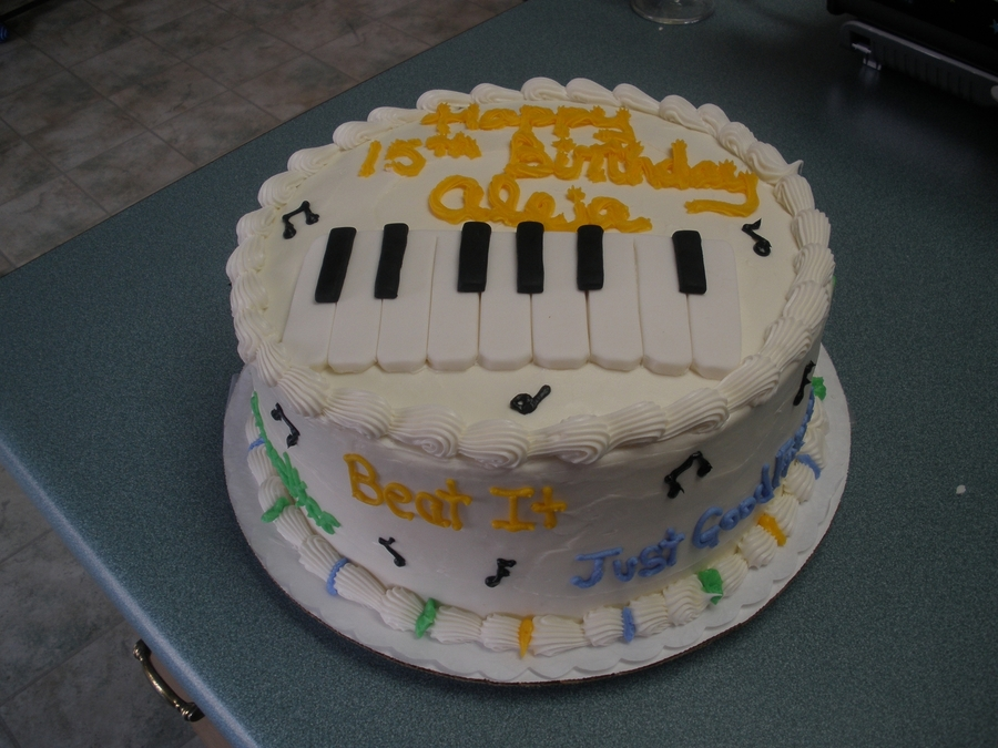 Piano Keys on Cake Central