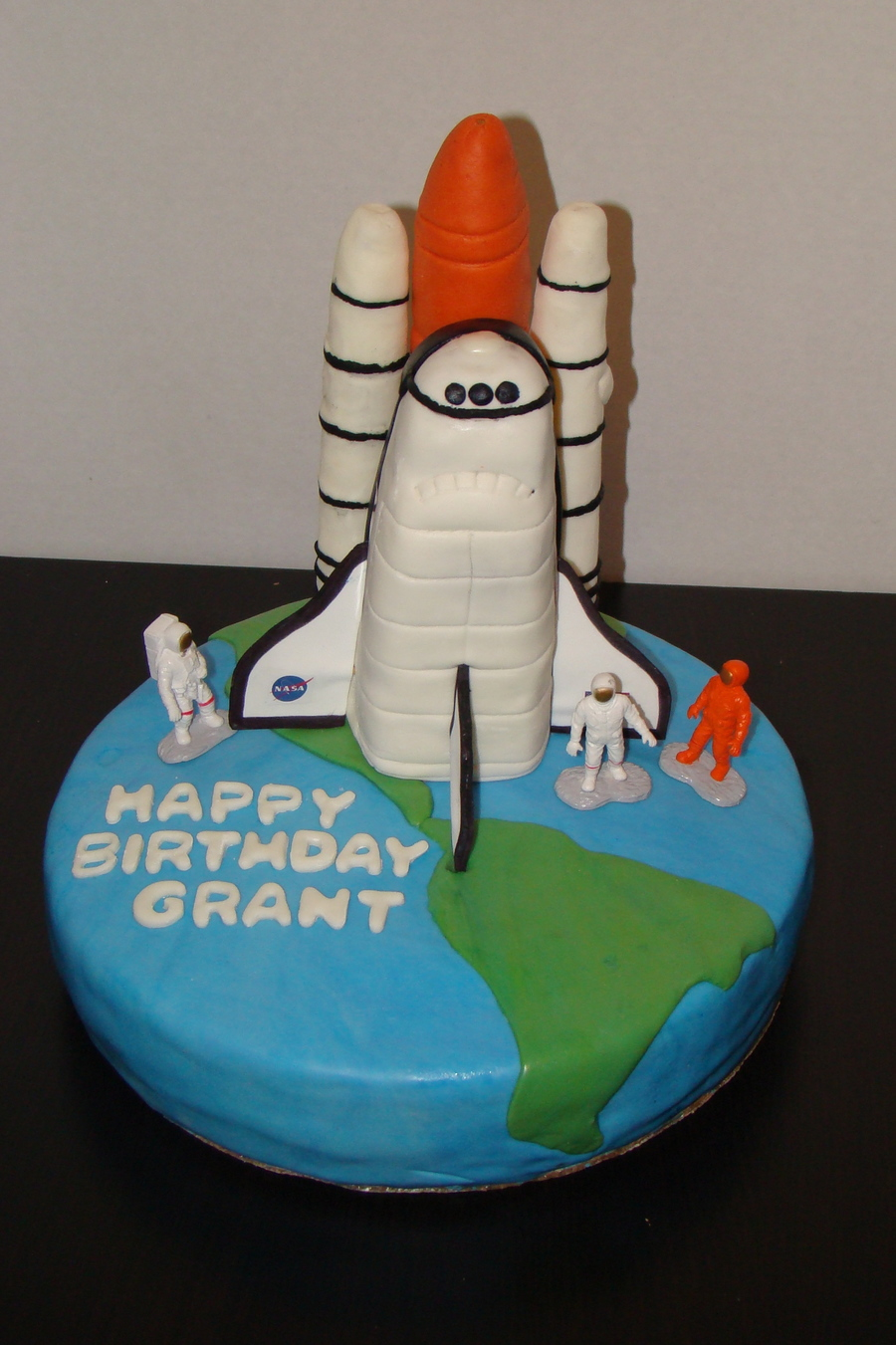 How To Make A Space Shuttle Cake