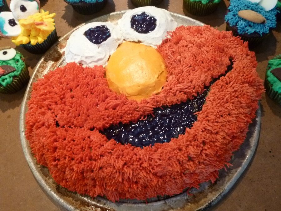 Elmo Smiles  on Cake Central