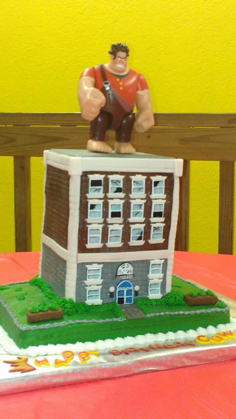 Wreck It Ralph  on Cake Central
