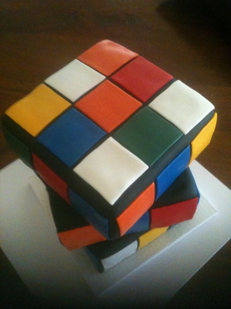 Rubic Cube on Cake Central