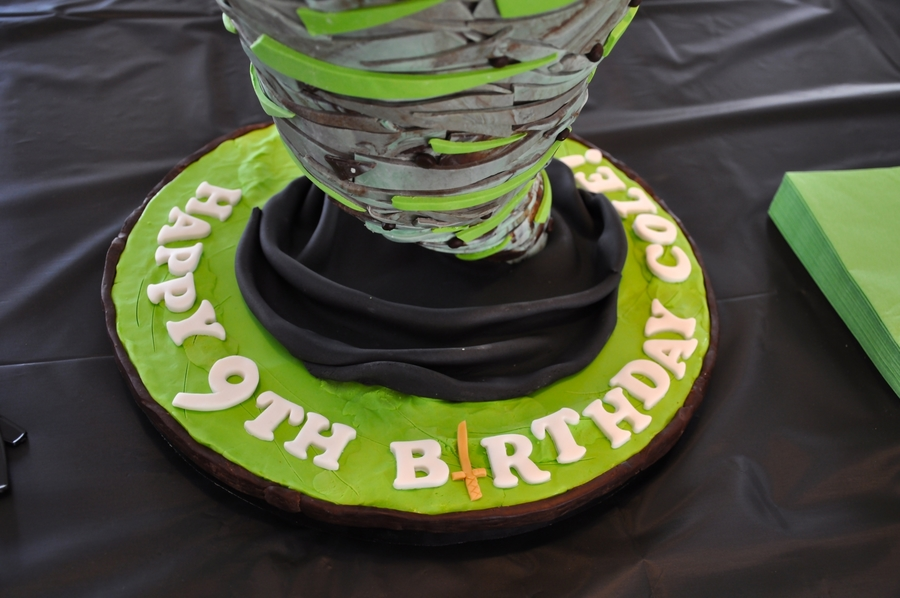 Green And Black Birthday Cakes