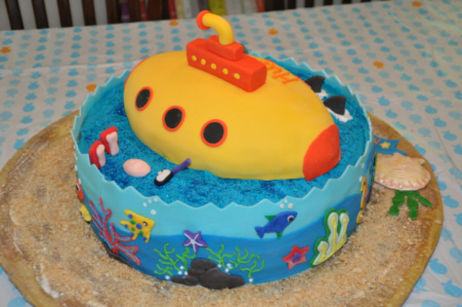 The Yellow Submarine Birthday Cake Cakecentral Com