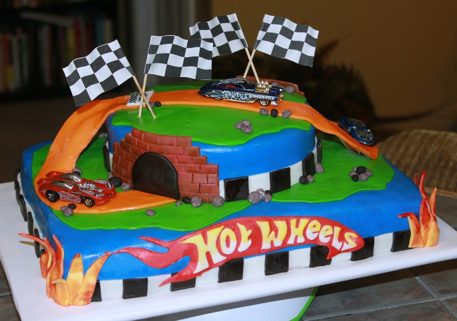 Birthday Cake Ideas Photos Hot : Hot Wheels Birthday Cake - CakeCentral.com