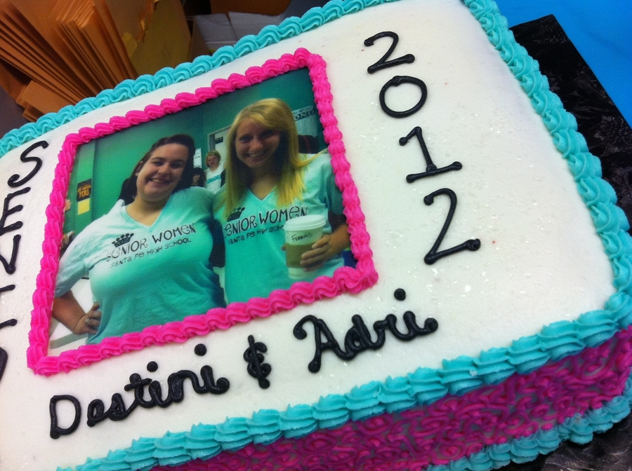 Graduating Seniors Cake on Cake Central