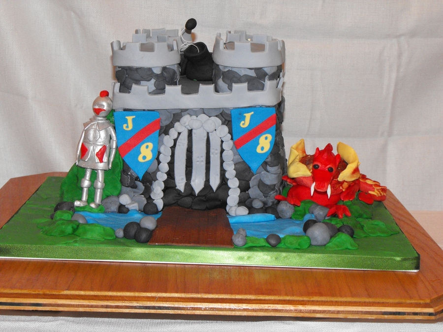 Josiah's Castle on Cake Central