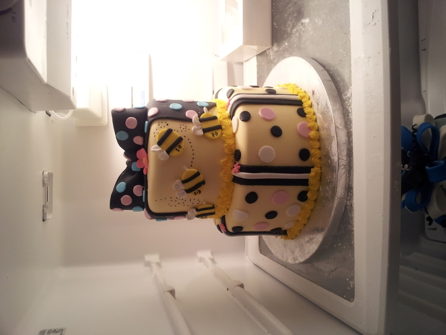 Bumble Bee Cake on Cake Central