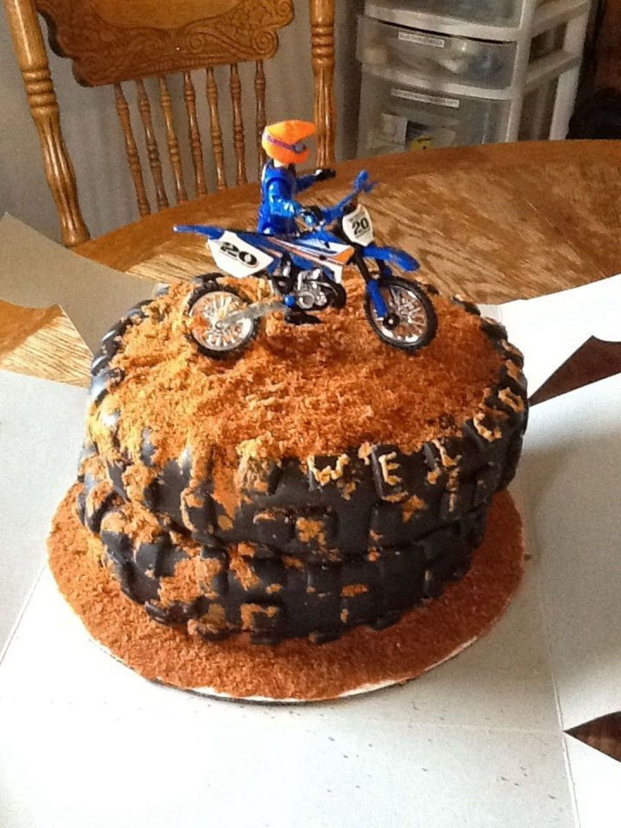 how to make a dirt bike cake