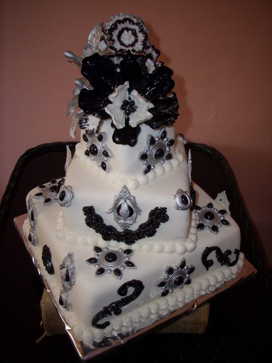 Black & White Cake on Cake Central