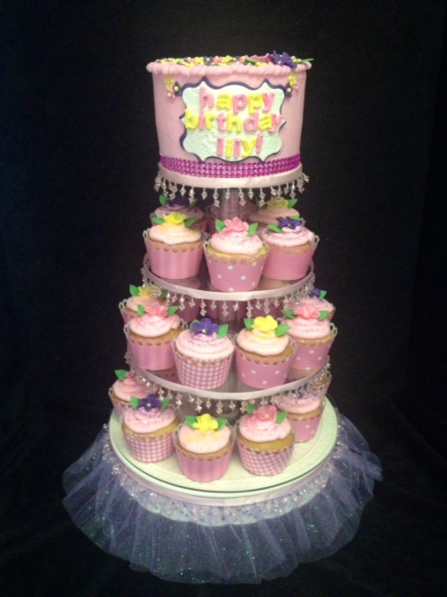 Disneys Tangled Cupcake And Cake Tiers For Little Girls 4th Birthday