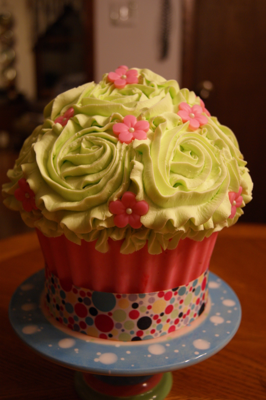 Giant Cupcake With Candy Shell on Cake Central