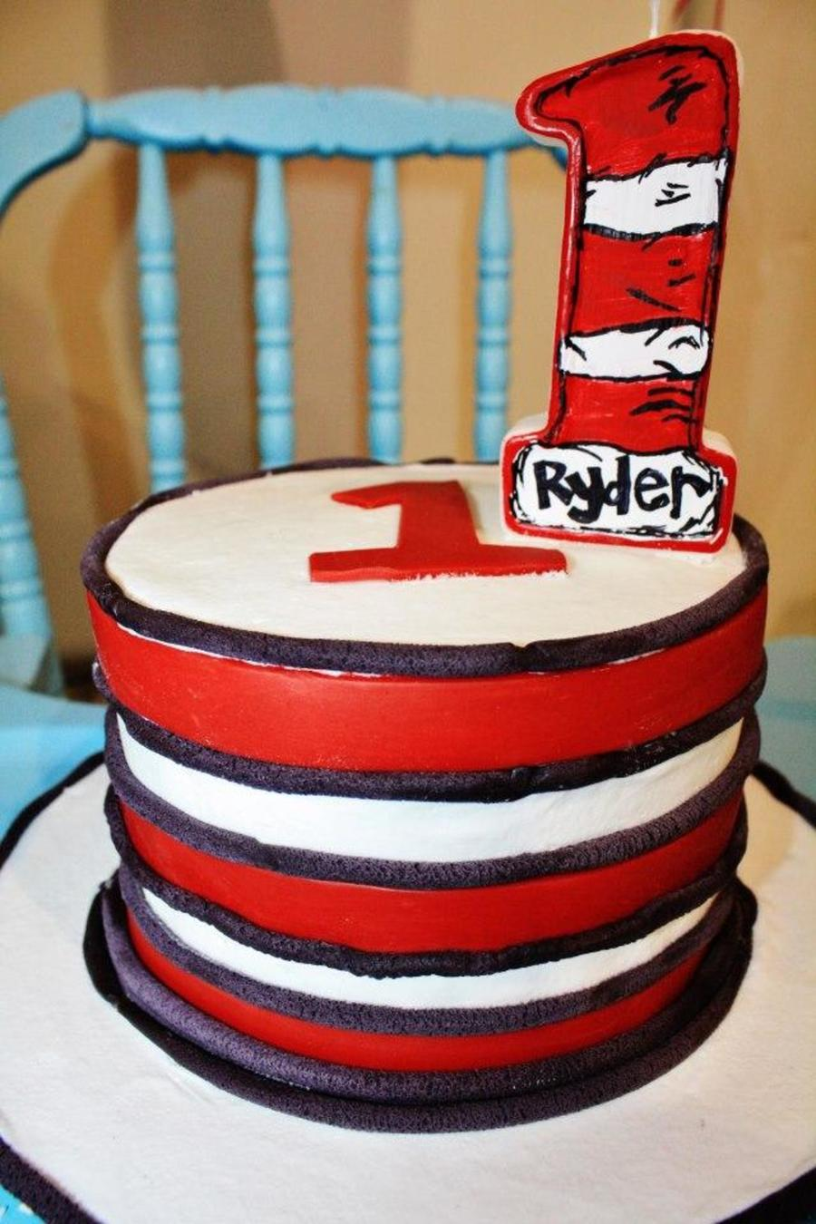 Pleasant Dr Seuss First Birthday Hat Cake Cakecentral Com Funny Birthday Cards Online Aeocydamsfinfo