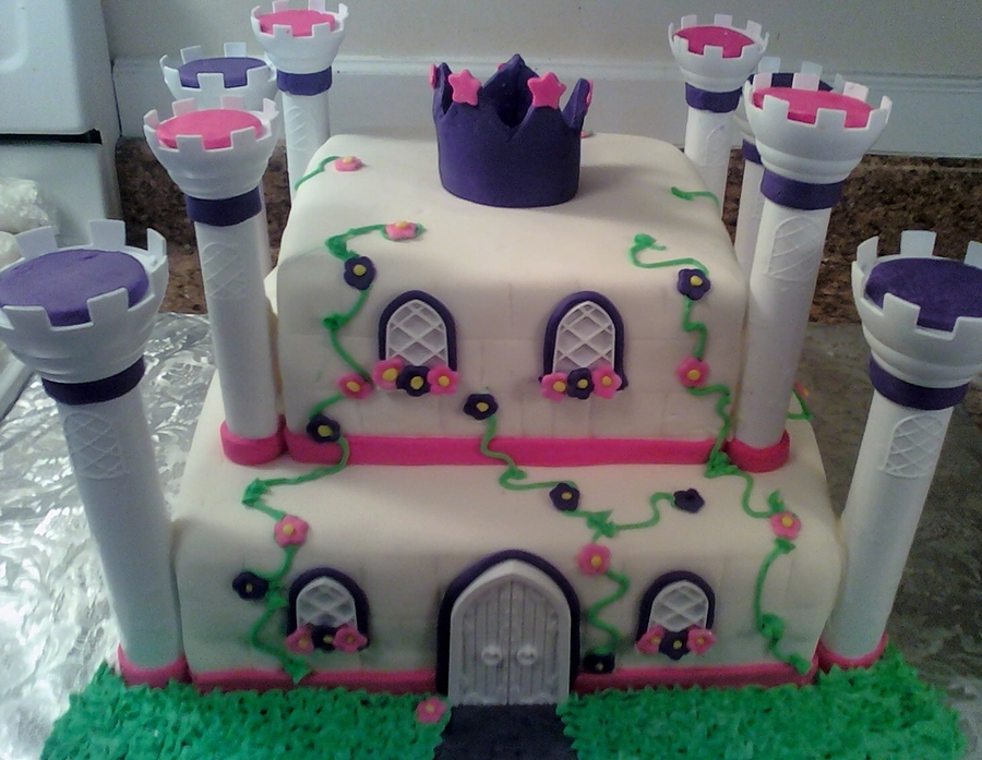 Square Castle on Cake Central
